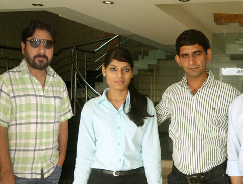 Actor Yashpal Sharma & Comedian Kheyali Stayed at Mayur Hotel, New Delhi